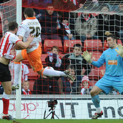 Ricky Lambert scores last minute equaliser against Blackpool