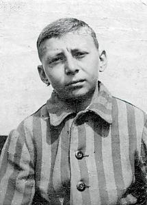 Arthur Pais, Dachau