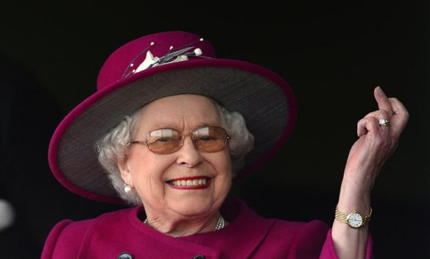 hm-queen-elizabeth_3273772kfff